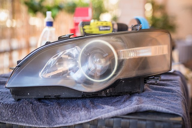 Best Headlight Restoration Kits Of 2021 – Top 6 Reviews & Buying Guide