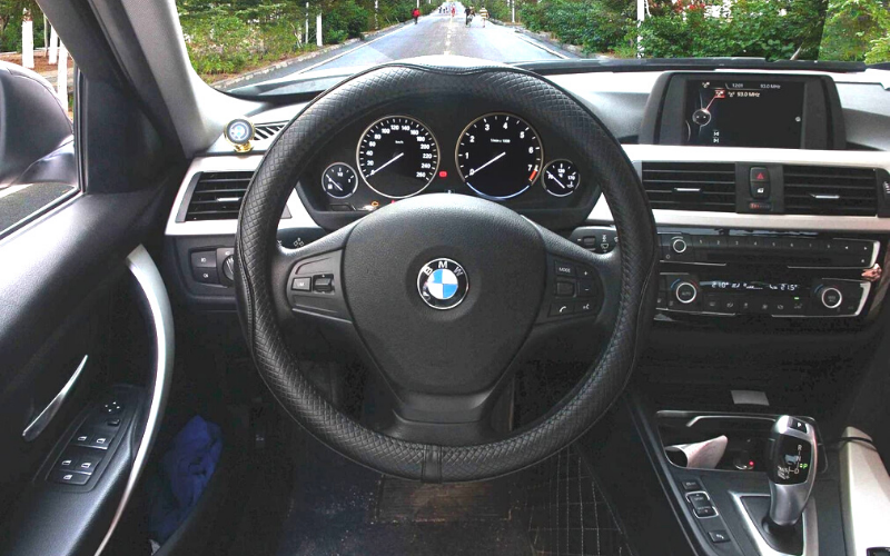 Top 6 Best Leather Steering Wheel Covers In 2021 Review & Buying Guide