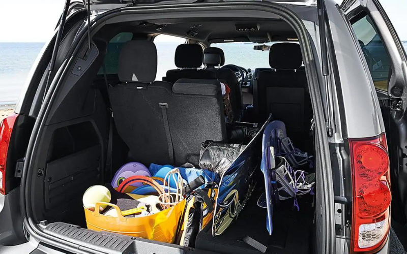 whats dodge grand caravans cargo space like tips